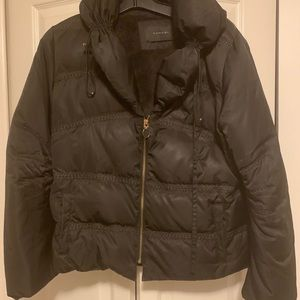 Tahari down women's jacket. Black. Used.